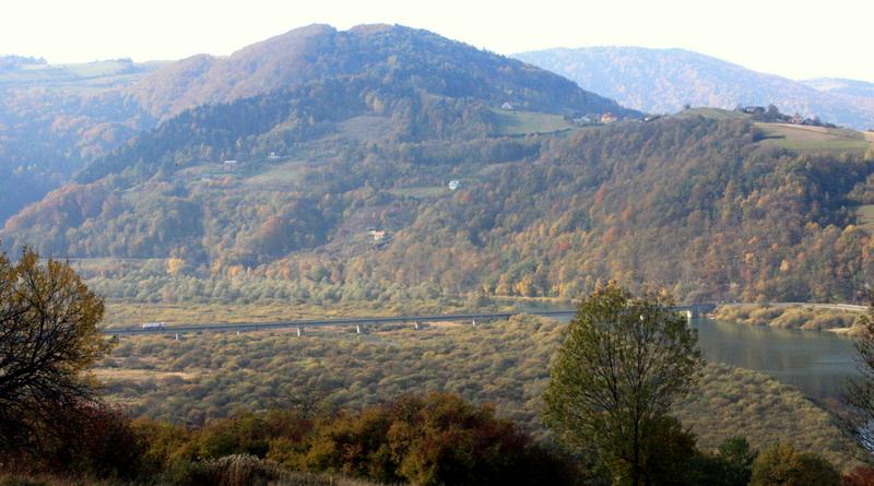 Białowodzka Góra i dolina Dunajca w okolicach Kurowa