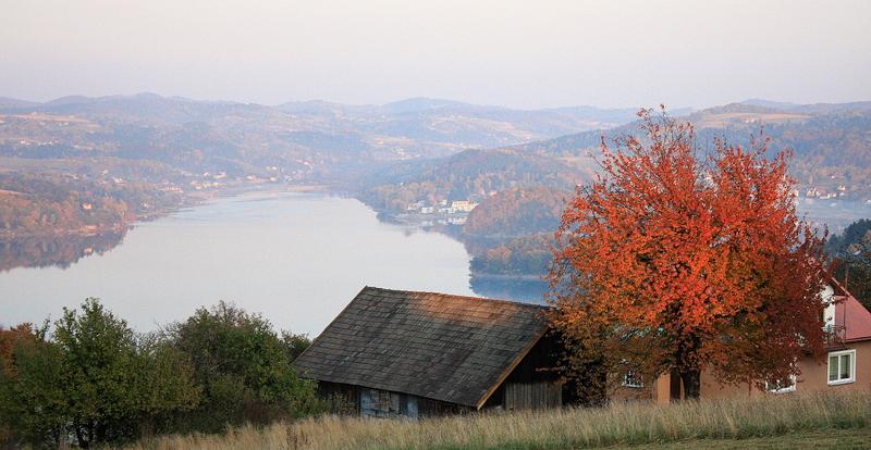 Z Tabaszowej na Jezioro Rożnowskie